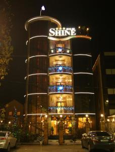 Shine House Hotel