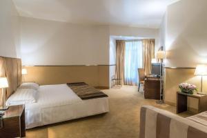 Prenota Mini Palace Hotel