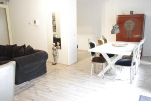 Luxury Center Two-Bedroom Apartment with Private Parking *Non Smoking*(Róterdam)