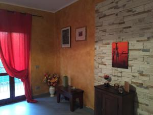 B&B KB, Bed and Breakfasts  Oleggio - big - 7
