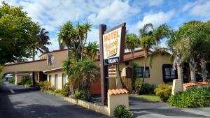 Hobson's Choice Motel