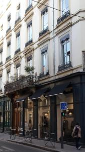 B&B Edelweiss Et Mandarine, Bed and Breakfasts  Lyon - big - 22