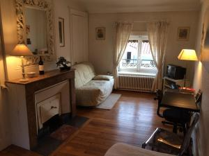 B&B Edelweiss Et Mandarine, Bed and Breakfasts  Lyon - big - 1