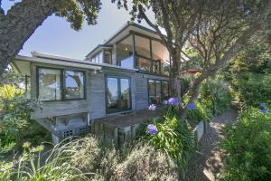 Beachfront Enclosure Bay - Waiheke Unlimited, Dovolenkové domy  Oneroa - big - 15