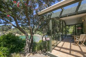 Beachfront Enclosure Bay - Waiheke Unlimited, Case vacanze  Oneroa - big - 19