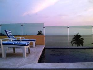 (Andressa Mia Apartments)