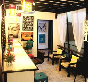 Mountain Breeze Hostel - Tagaytay Center