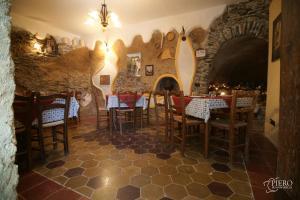 A Taverna Intru U Vicu, Bed & Breakfasts  Belmonte Calabro - big - 71