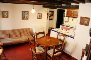 TUGASA Casas Rurales Castillo de Castellar, Country houses  Castellar de la Frontera - big - 15