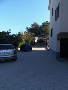 Apartment House Nono, Apartmány  Povljana - big - 49