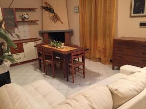 Casanelborgo, Appartamenti  Marone - big - 7