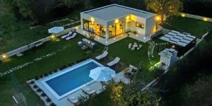 Luxury Villa Luminosa