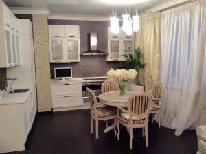 Apartment On Suvorovskaya 10