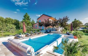 Holiday home Smrika 80 with Outdoor Swimmingpool