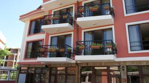 Diabis Apartments