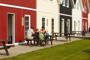 Ho Three-Bedroom Apartment 01, Ferienparks  Blåvand - big - 18