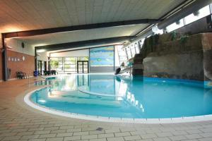 Ho Three-Bedroom Apartment 01, Ferienparks  Blåvand - big - 33