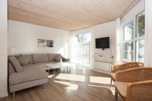 Ho Three-Bedroom Apartment 01, Ferienparks  Blåvand - big - 11