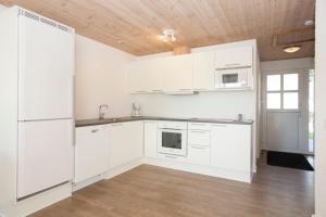 Ho Three-Bedroom Apartment 01, Ferienparks  Blåvand - big - 43