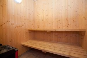 Ho Three-Bedroom Apartment 01, Ferienparks  Blåvand - big - 41