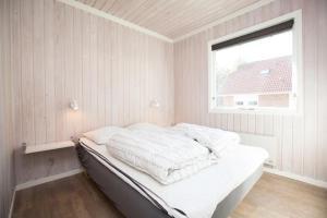 Ho Three-Bedroom Apartment 01, Ferienparks  Blåvand - big - 7