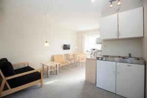 Ho Three-Bedroom Apartment 01, Ferienparks  Blåvand - big - 3