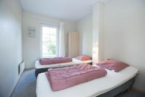 Ho Three-Bedroom Apartment 01, Ferienparks  Blåvand - big - 46