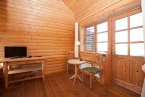 Ho Three-Bedroom Apartment 01, Ferienparks  Blåvand - big - 49