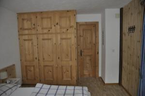 Chesa Viletta, Apartmanok  La Punt-Chamues-ch - big - 29
