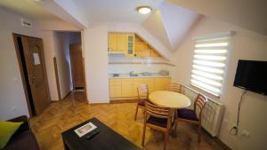 Villa Romantika, Apartmány  Zlatibor - big - 86