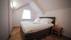 Villa Romantika, Apartmány  Zlatibor - big - 85