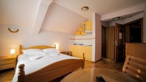 Villa Romantika, Apartmány  Zlatibor - big - 6