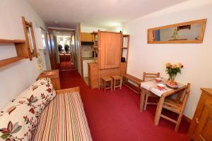 Lo Toumel, Apartments  Val d'Isère - big - 32