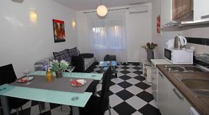 Apartment Maslina Bidol