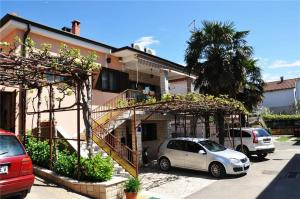 Two-Bedroom Apartment in St Rosello