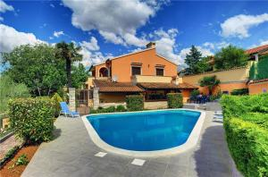 Holiday home Zei I Muntic IVI