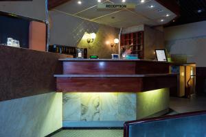 帕勒莫斯特里酒店