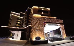 Курортный отель Mirotel Resort and Spa