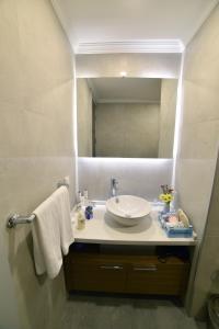Bodrum Gulluk Marina Suites, Hotely  Gulluk - big - 47