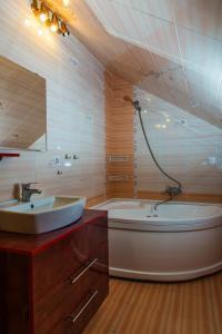 Apartment Khorovodnaya 50, Appartamenti  Kazan' - big - 20