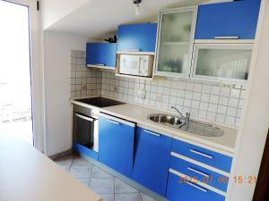 Apartments Villa Tanja, Ferienwohnungen  Trogir - big - 9
