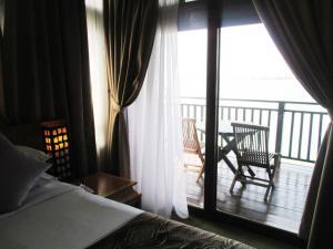 Sea Village Private Unit @ Langkawi Lagoon Resort, Üdülőközpontok  Kampung Padang Masirat - big - 26