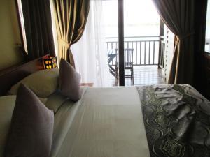Sea Village Private Unit @ Langkawi Lagoon Resort, Üdülőközpontok  Kampung Padang Masirat - big - 28