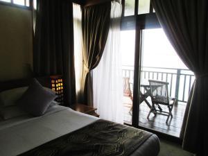 Sea Village Private Unit @ Langkawi Lagoon Resort, Üdülőközpontok  Kampung Padang Masirat - big - 30