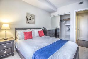Republic on Roehampton Avenue - Furnished Apartments, Апартаменты  Торонто - big - 11