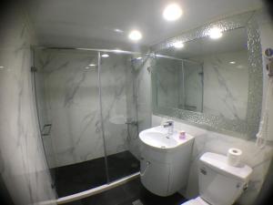 Central Hotel, Hotely  Zhongli - big - 44