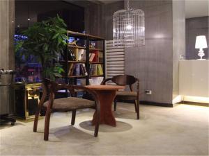 Qingdao Jingyuan Art Hotel