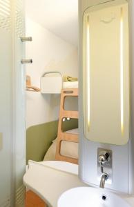 ibis budget Istres Trigance, Hotel  Istres - big - 8