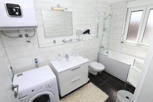 Apartment Parlov 2, Appartamenti  Podstrana - big - 32