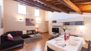 Giunone Lucina Apartment